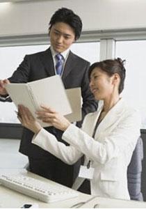 職場の人間関係をよくするには? コミュニケーションに関するコーチングをしていると、職場の人間関係